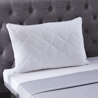 Hilton Pillow Protector with Zip - 50x75 cms