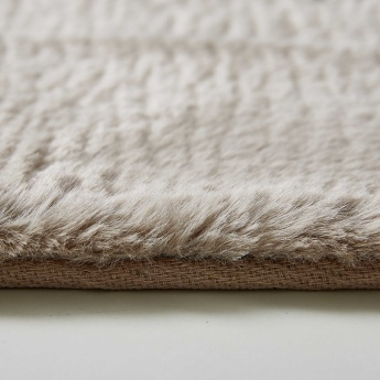 Faux Rabbit Fur Textured Rug - 160x230 cms