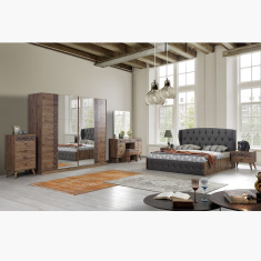 Burcham 6-Piece Bedroom Set