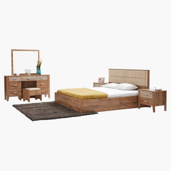 Bonnelle 6-Piece King Bedroom Set