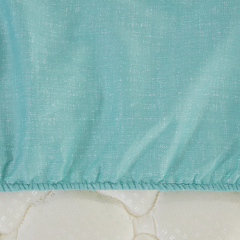 Breeze Super King Fitted Sheet - 200x200 cms