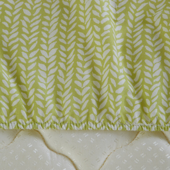 Fern Printed Twin Fitted Sheet - 120x200 cms